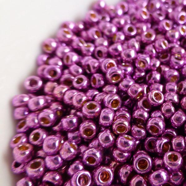 Toho Perma finish japanese seed beads size 8 - Magenta 8-pf580