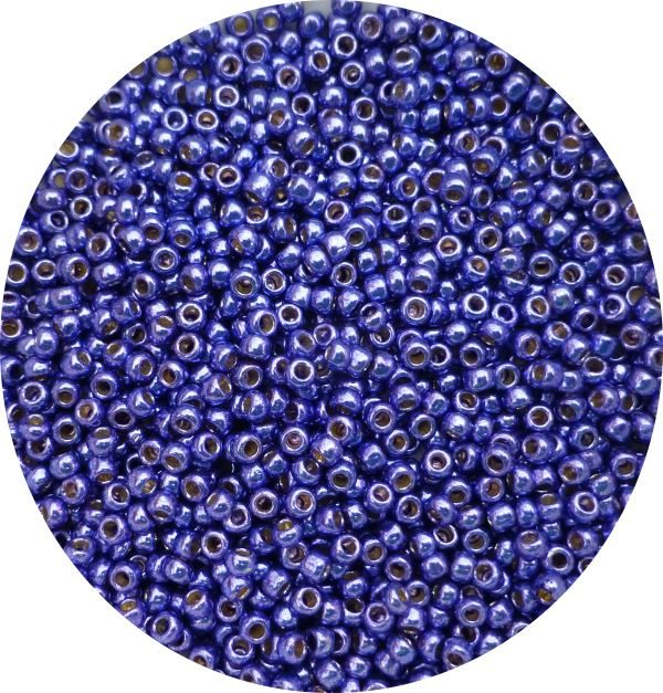 Toho Perma finish japanese seed beads size 8 - Vibrant purple 8-pf581