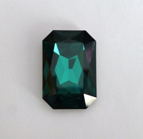 Swarovski 4627 stone, Emerald